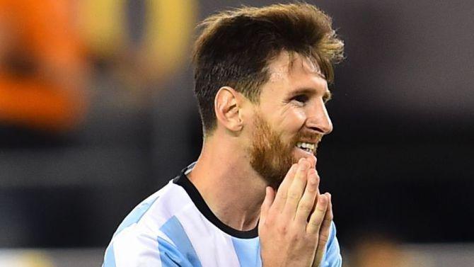 Reacciones de los famosos tras el retiro de lionel messi Chismes de famosos argentinos 2016