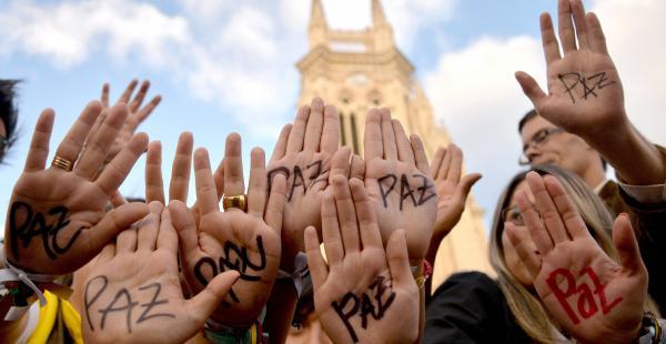 74___de_los_Colombianos_respaldan_el_acuerdo_de_paz_con_las_FARC.jpg
