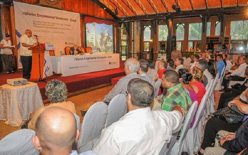 Reunión entre empresarios cubanos y venezolanos en la isla / Foto cortesía Granma.cu