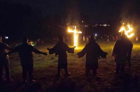 La_inmigraci__n__Donald_Trump_y_el_Ku_Klux_Klan.jpg