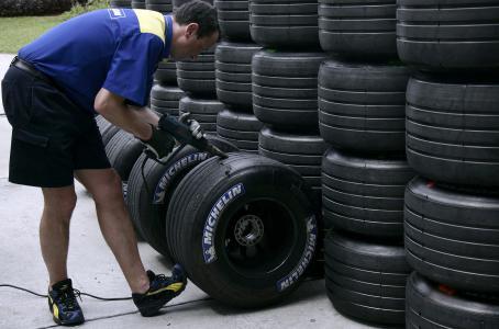 Michelin_pone__en_la_mira__a_Nissan_y_Mazda.jpg