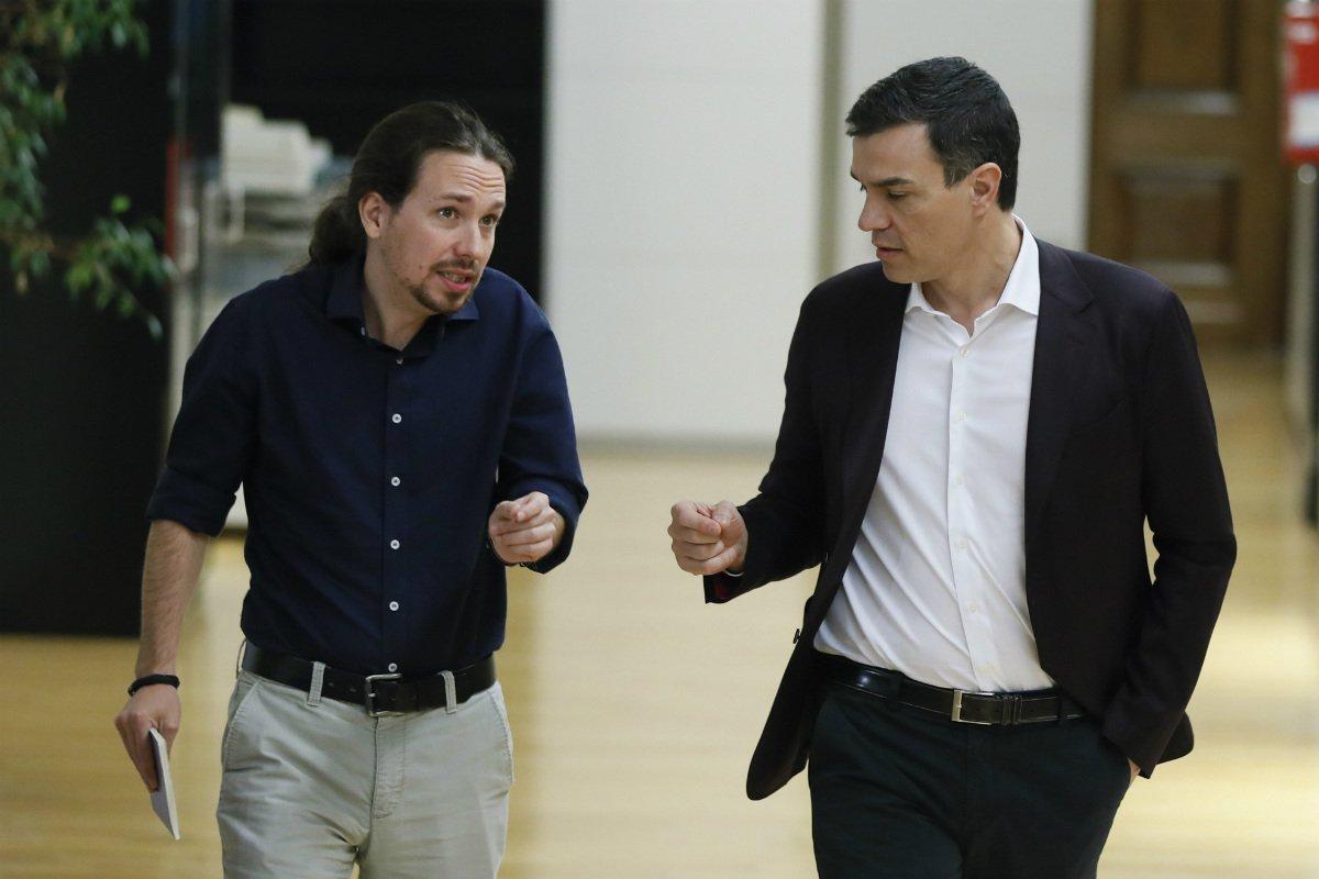 PSOE y Podemos se reúnen en secreto antes de investidura de Rajoy