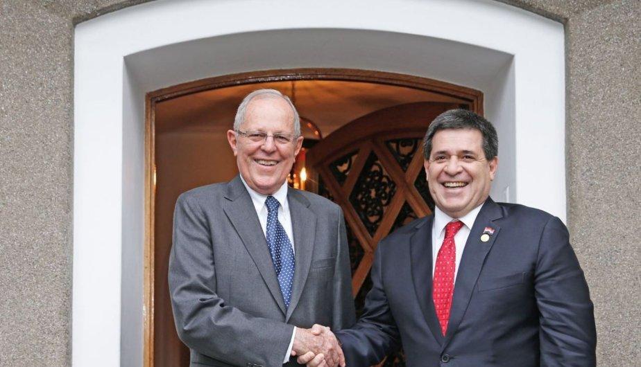 Pedro Pablo K y Horacio Cartes