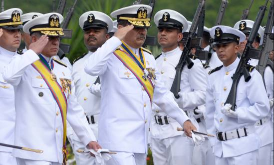 Vicealmirante___ngel_Sarzosa_dej___mando_sin_poder__despedirse__de_su_tropa.jpg