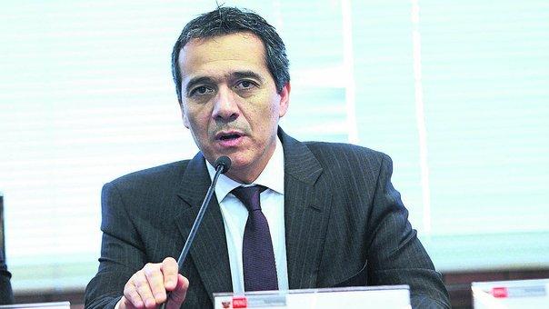 Alonso Segura y Alfredo Thorne chocan por cifras de crecimiento