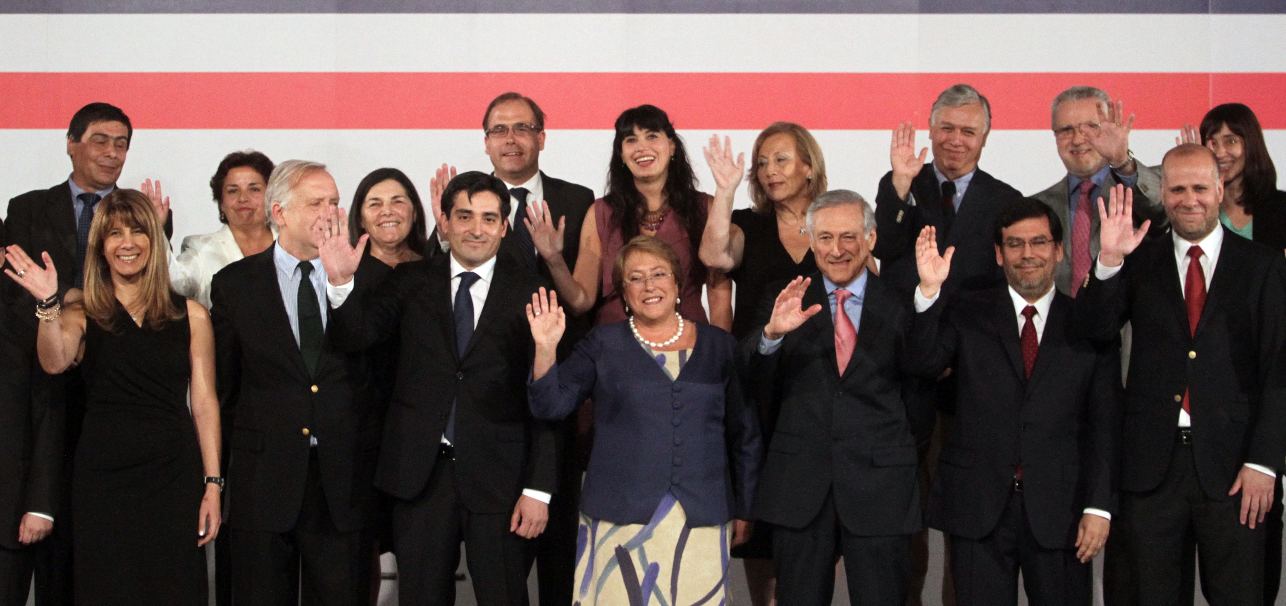 24 de ENERO de 2014/SANTIAGO  La presidenta electa, Michelle Bachelet, presentó a los miembros de nuevo gabinete que asumirá el próximo 11 de marzo.  FOTO: RODRIGO SÁENZ