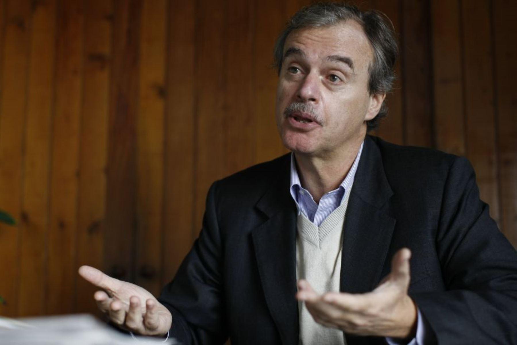 Ministro de Interior peruano