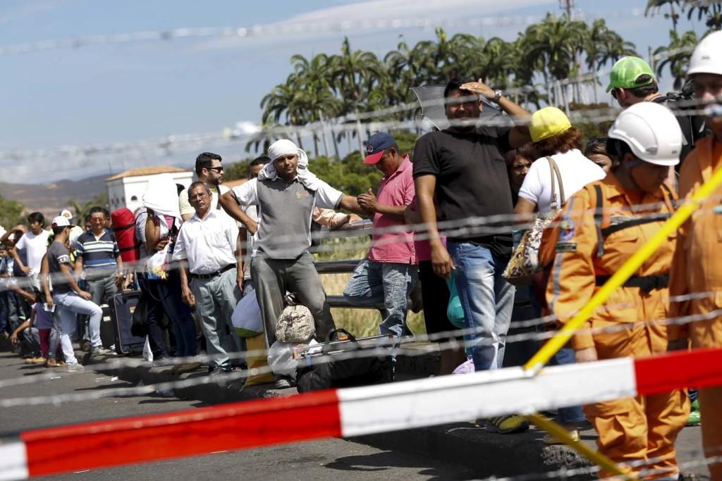 Venezuela construirá dos puentes con acceso a frontera con Colombia