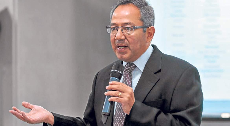 ministro Augusto Espinosa - Ecuador