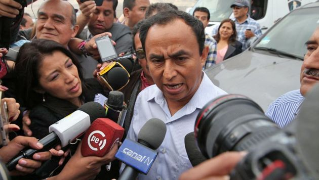 Gregorio Santos sale en libertad del del penal de Piedras Gordas.