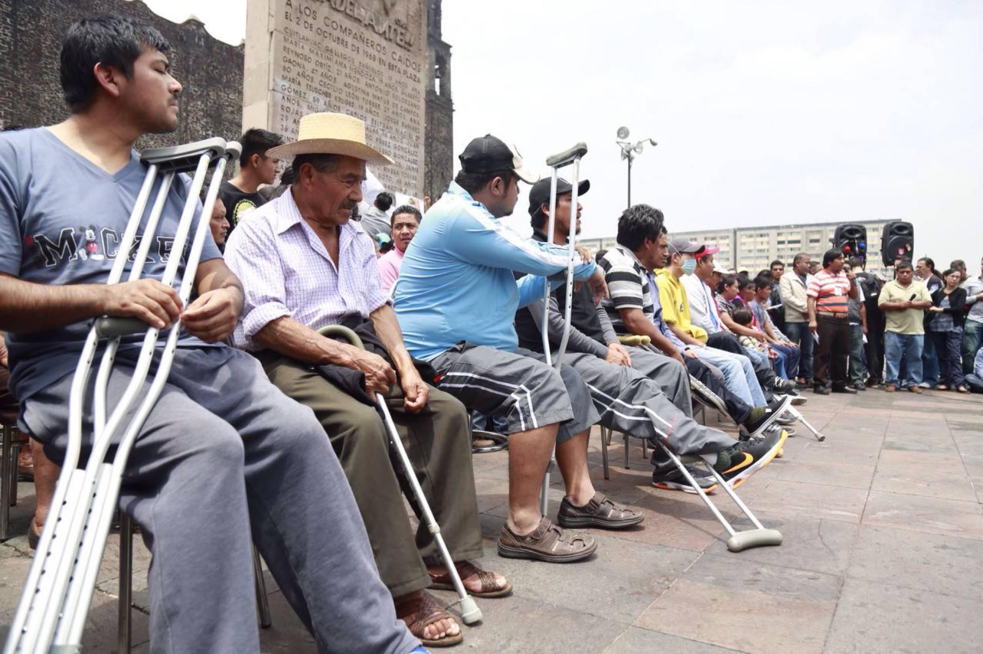 Heridos de la matanza de Nochixtlan, se presentaron en la capital mexicana.