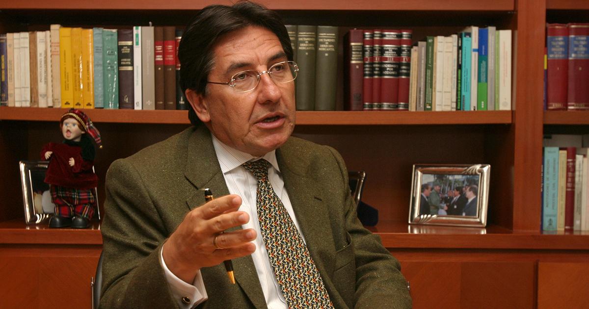 NESTOR HUMBERTO MARTINEZ ABOGODADO 15 DE DICIEMBRE DE 2006 FOTO. PAOLA CASTAÑO/SEMANA