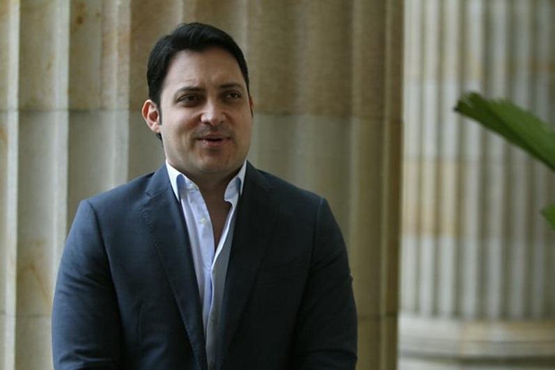 Senador colombiano, Carlos Fernando Motoa