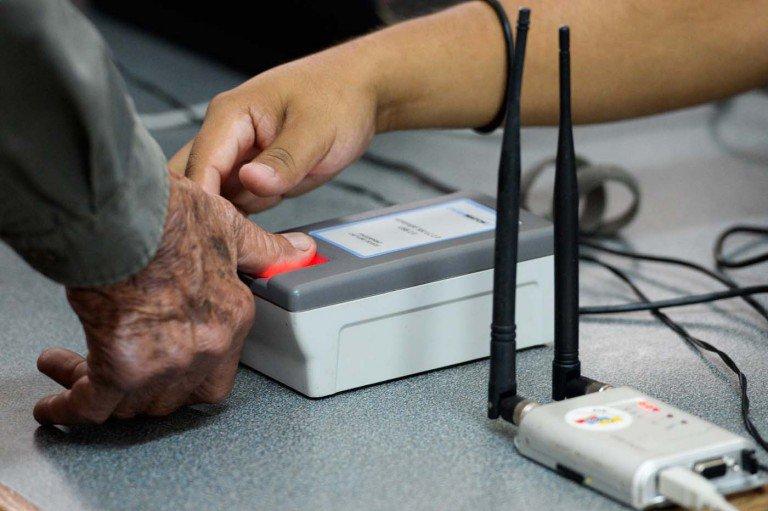 Máquina biométrica utilizada por el Poder Electoral  venezolano, para captar las huellas de los votantes