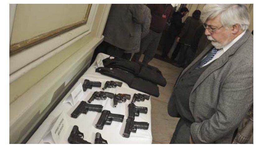 Gobierno regular tenencia y porte de armas en uruguay for Porte y tenencia de armas