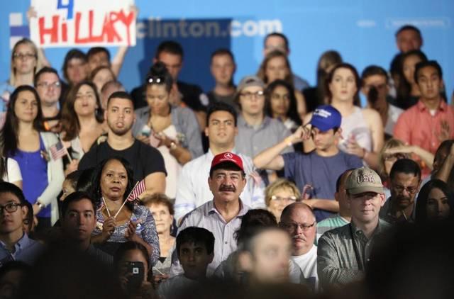 Padre Del Autor De La Masacre En Orlando Asiste A Acto De Clinton