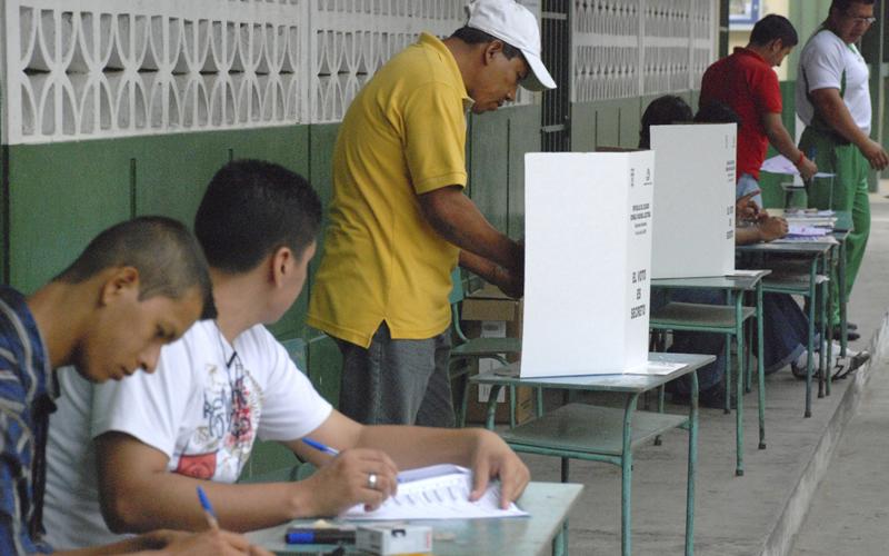 votantes en Ecuador