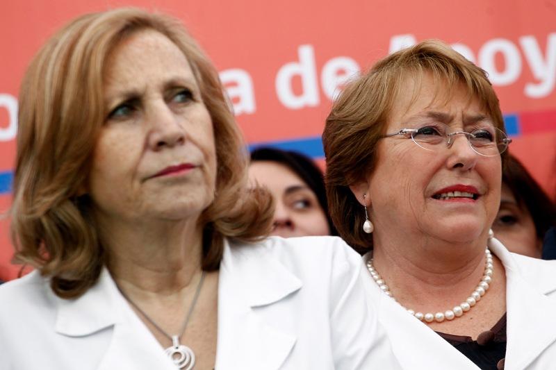 Michelle Bachelet y Helia Molina