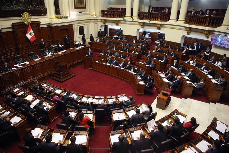 congreso-peru-reanuda-confianza-gobierno_945815510_12218599_800x533