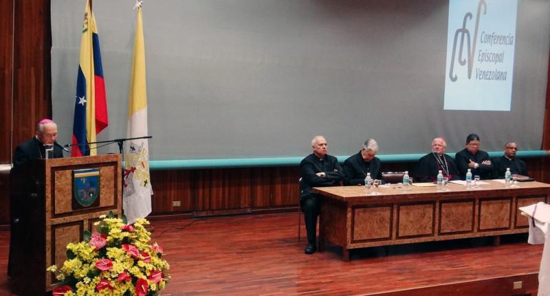 instalacion-104-asamblea-plenaria-ordinaria-de-la-conferencia-episdcopal-venezolana-caracas-06-07-2015-guardiancatolic-1