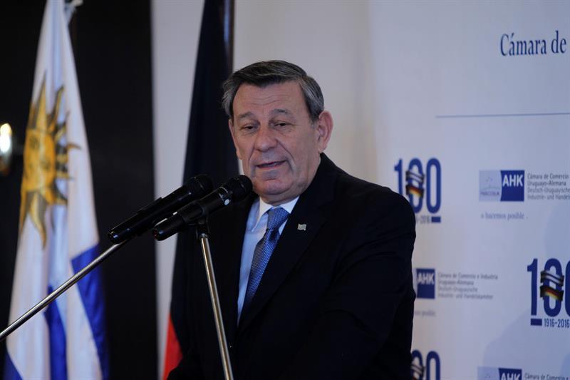 uruguay-dice-responsabilidad-situacion-mercosur_941016122_12083429_800x533