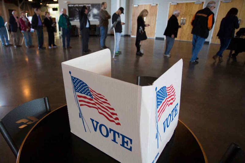 COMIENZAN LAS VOTACIONES EN VARIOS ESTADOS EN UN CRUCIAL SUPERMA
