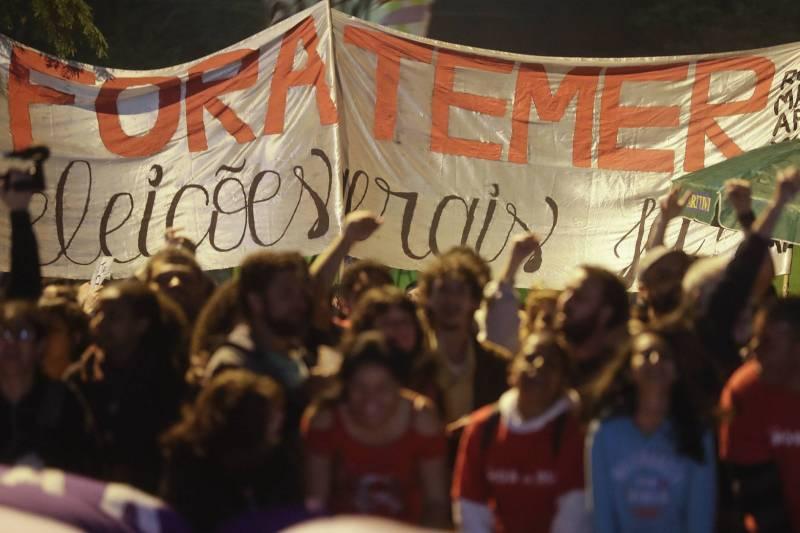 Más de 13 mil sucursales paralizan actividades en Brasil