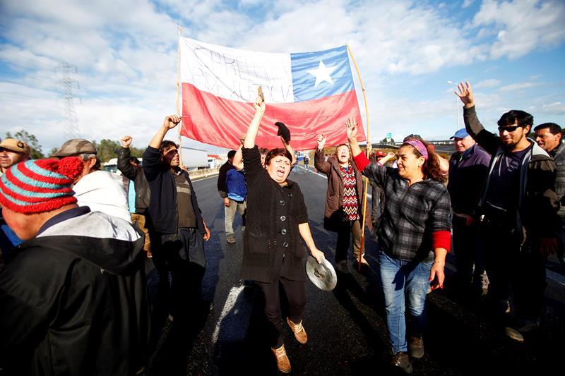 Trabajadores en Chile van a huelga para exigir aumento salarial