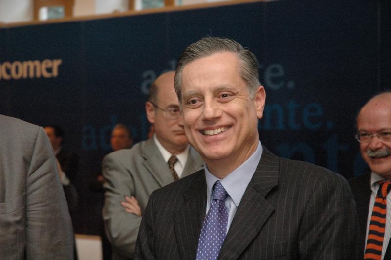 México debe fortalecer posición fiscal, según presidente del Banco Central