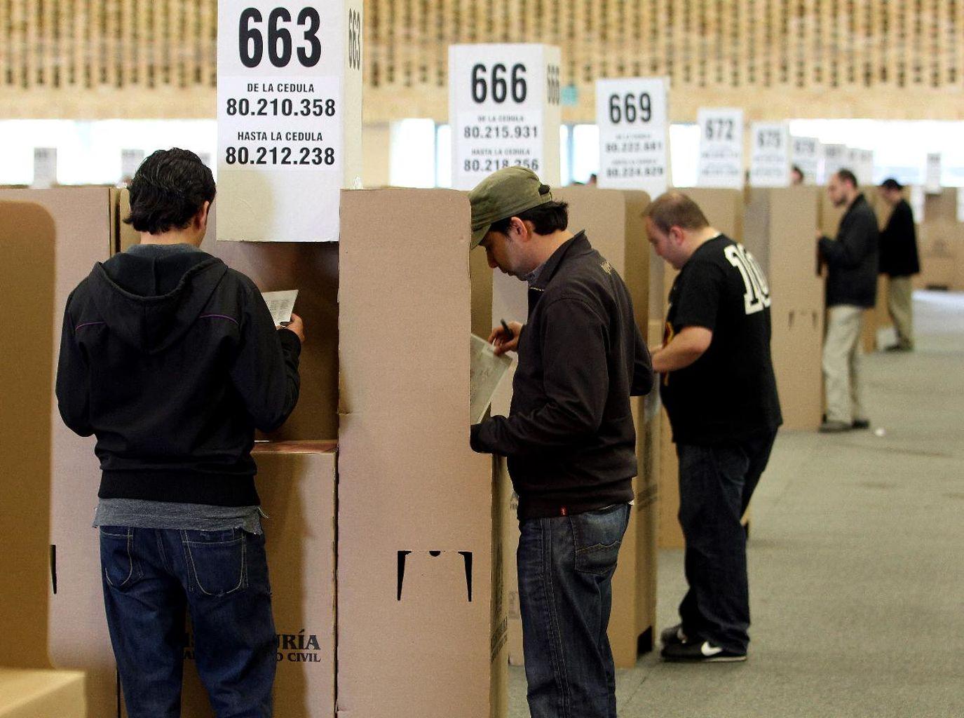colegios-electorales-colombia-elecciones-presidente_700740729_89620455_1375x1024