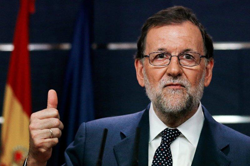 Rajoy brinda el gesto de retirar la reválida al PSOE