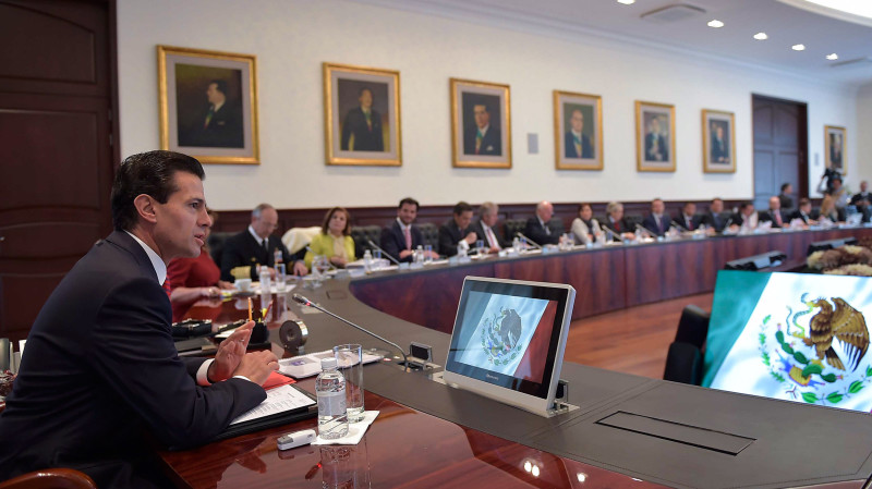 Peña Nieto planifica con su gabinete última etapa de su mandato
