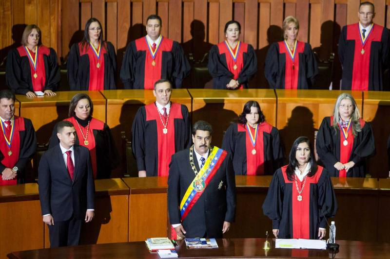 Descaro total: Cúpula del régimen podrá fijarse el salario que quiera