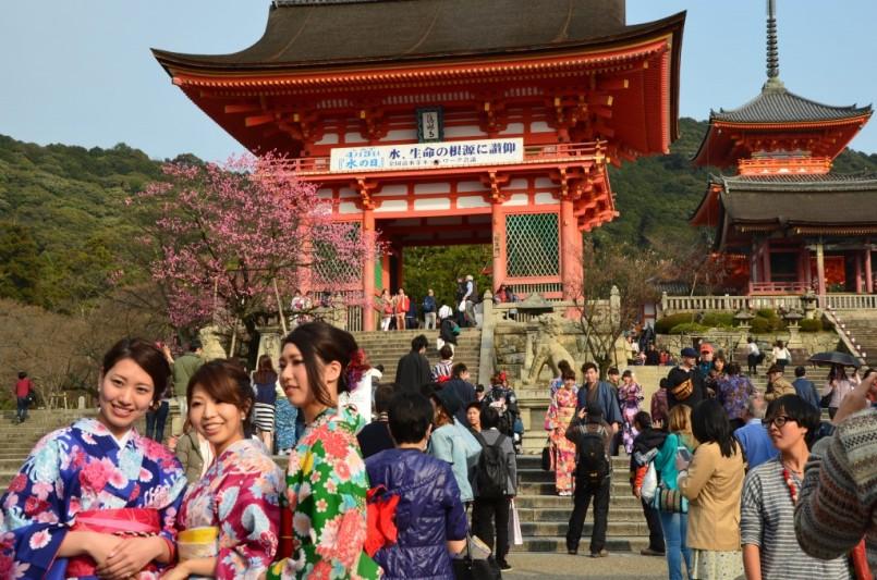 jap n supera por primera vez los 20 millones de turistas