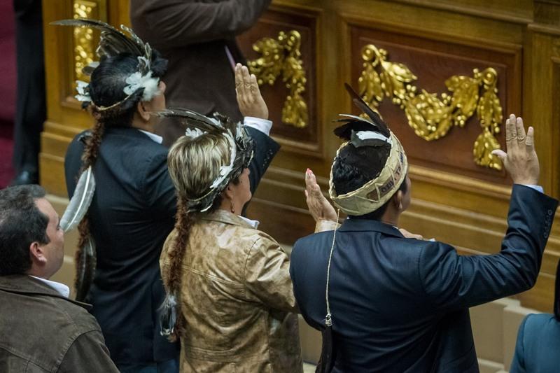 NUEVO PRESIDENTE DEL PARLAMENTO TOMÓ JURAMENTO A DIPUTADOS OPOSITORES DE AMAZONAS