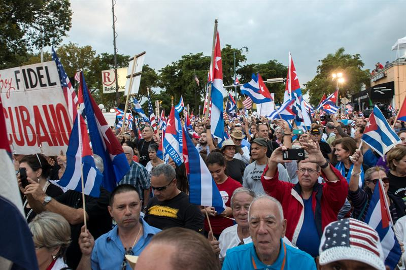 cubanos en el exilio