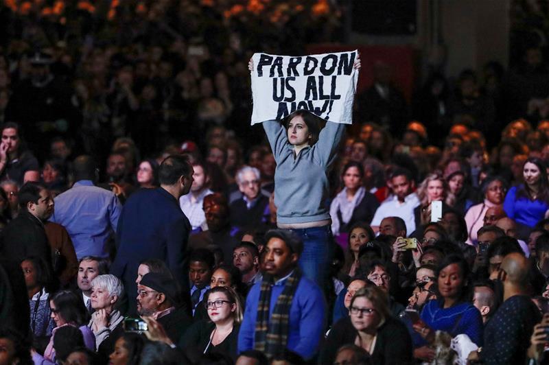 Miles de personas presentes en el último discurso como presidente de Barack Obama