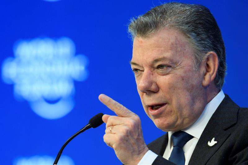 """Santos realizará foro para nueva reforma política """"de la paz"""""""