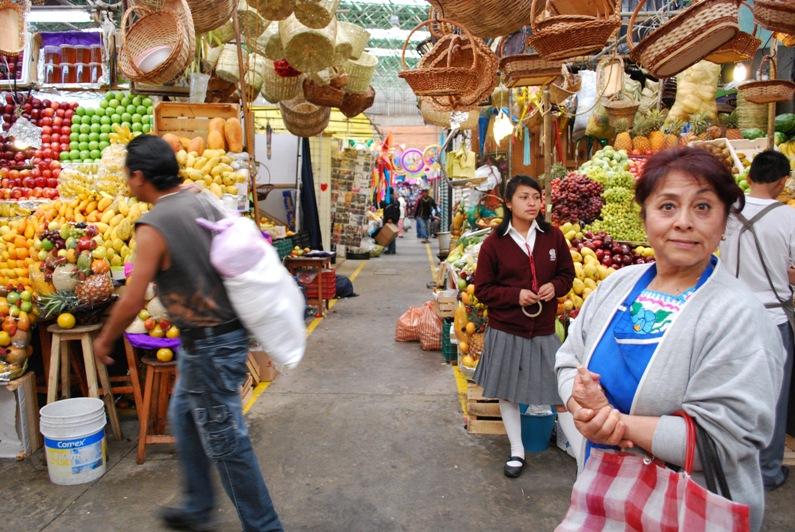 estela-at-market