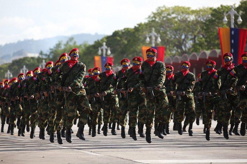 """Militares custodiarán traslado de nuevos billetes para """"evitar contrabando"""""""