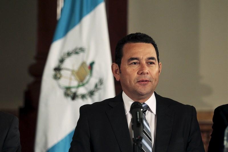 Prohíben salir de Guatemala a exnovia y exsuegra del hijo de Morales
