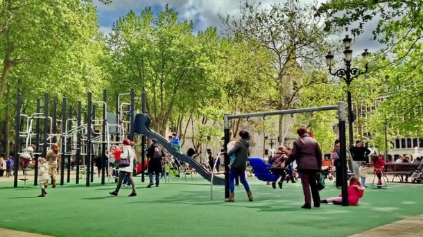 Detenido joven de 19 años por exhibicionismo ante menores cerca de parques en España