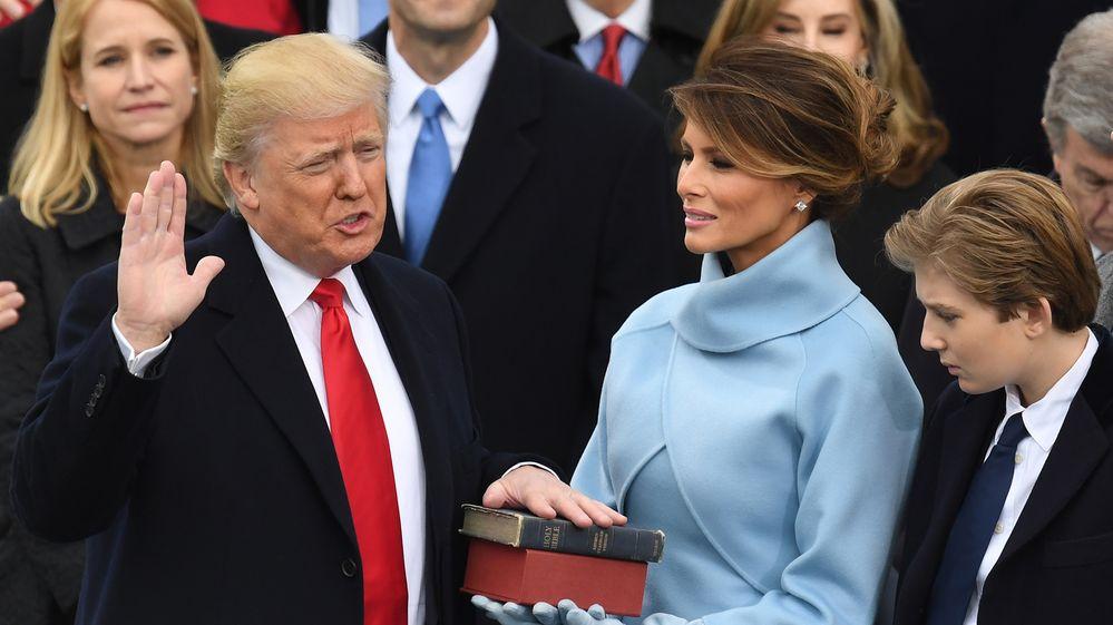 Trump se juramenta como nuevo presidente de EEUU