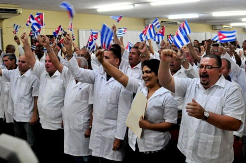 medicos-cubanos-Henry-reeve-680x374