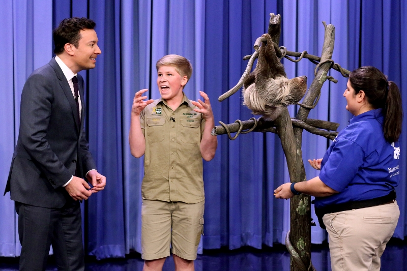 THE TONIGHT SHOW STARRING JIMMY FALLON -- Episode 0626 -- Pictured: (l-r) Animal expert Robert Irwin during an interview with host Jimmy Fallon on February 16, 2017 -- (Photo by: Andrew Lipovsky/NBC/NBCU Photo Bank via Getty Images))