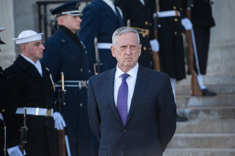 US Defense Secretary James Mattis waits for the arrival of Saudi Deputy Crown Prince and Defense Secretary Mohammed bin Salman at the Pentagon in Washington, DC, on March 16, 2017. / AFP PHOTO / NICHOLAS KAMM