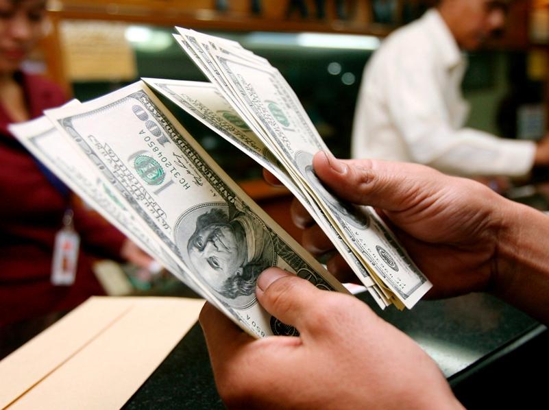 El dolar se apodera de las transacciones económicas en Venezuela