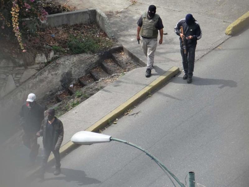 Tras reprimir a opositores, paramilitares armados recorren sector popular de Caracas, 23 de Enero/Foto Twitter