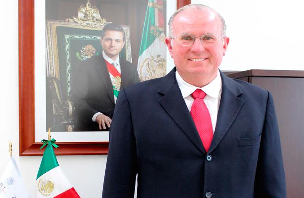Director de la Agencia Espacial Mexicana, Javier Mendieta