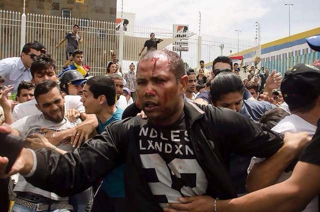 Linchan a GNB infiltrado en el velorio de Manuel Sosa en Venezuela
